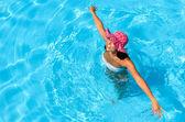 Pani zabawy w basenie — Zdjęcie stockowe