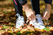 Tying laces for running — Stock Photo