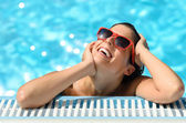 Woman pleasure and happiness of hot summer in pool resort — Stock Photo