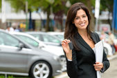 Car sales woman — Stockfoto