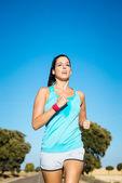 Kobieta szkolenia kolejny letni maraton — Zdjęcie stockowe