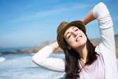 Woman relax on coast vacation travel — Stock Photo