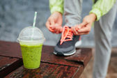 Detox smoothie before running workout — Stock Photo