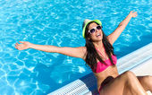 Joyful woman on summer vacation — Stock Photo
