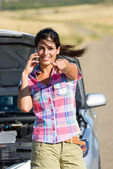 Positive insurance car service call — Stock Photo