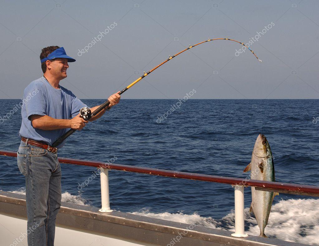 что включает спортивная рыбалка