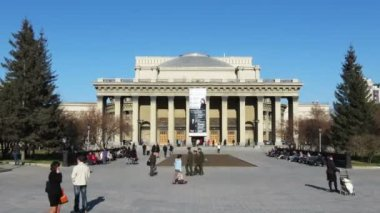 Novosibirsk, Russia, The State Academic Opera and Ballet Theater — Stock Video