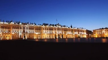 St. Petersburg, The Hermitage and Panorama of Palace Square in White nights — Vídeo de Stock