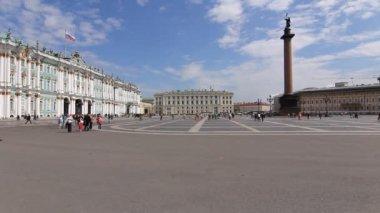 圣彼得斯堡,视图的夏天在布达拉宫广场 — 图库视频影像
