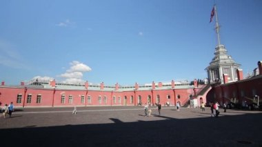 Courtyard of the Peter and Paul fortress,St. Petersburg,Russia — Stock Video