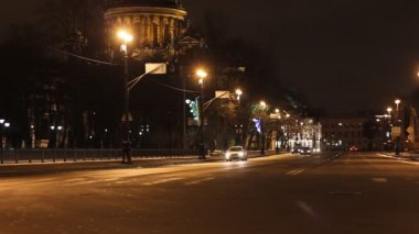 St. Petersburg, Traffic on a busy city street — Vídeo de stock