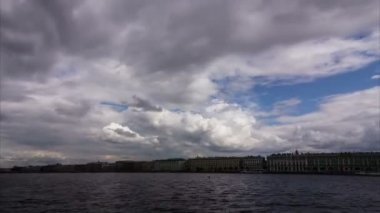 Beautiful clouds over St. Petersburg, Russia — Stock Video