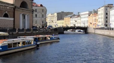 St. Petersburg, Tour Boat in the inland river — Stock Video