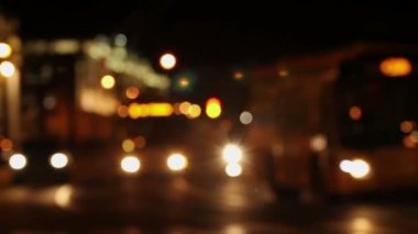 Traffic cars at night, Defocused — Vídeo de stock