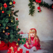 Girl near christmas tree, Merry christmas, happy New Year — Photo