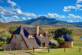 Holiday house, Drakensberg, South Africa — Stock Photo