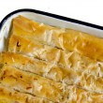 Traditional bulgarian pastry - banitza — Stock Photo #24293627
