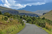 Road to Giants Castle KwaZulu-Natal nature reserve — Stock Photo