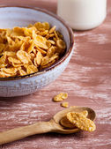 Cornflakes and milk — Stock Photo