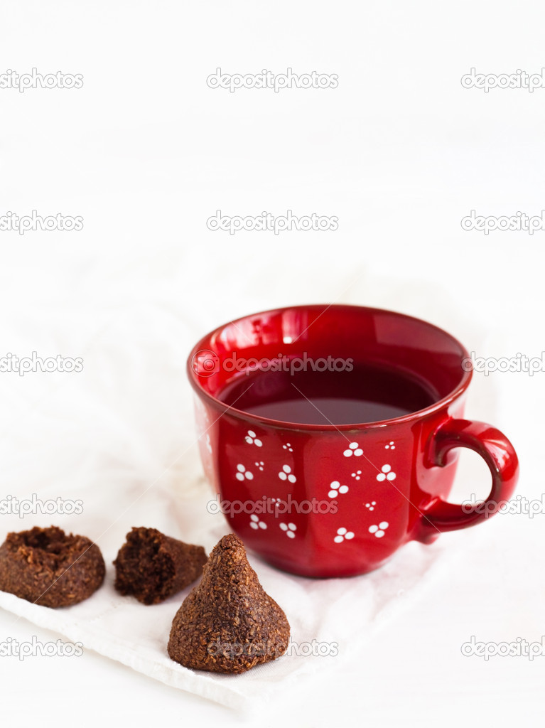 Sweets and tea on the table — Stock Photo #13187205