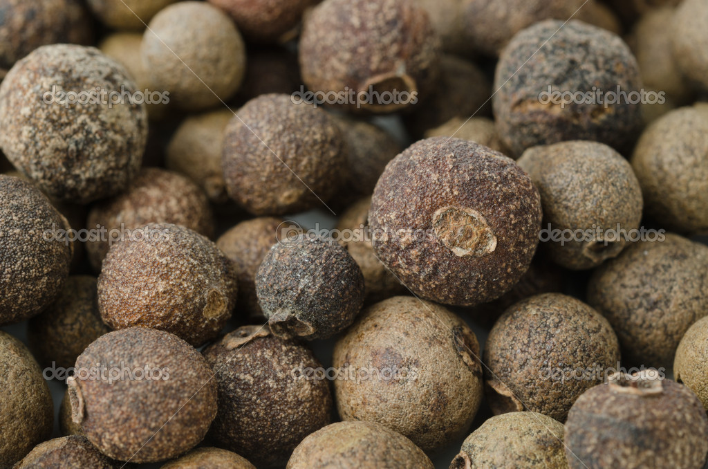 Allspice pepper close-up background — Stock Photo #14102298