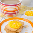 Biscuits with orange marmalade — Stock Photo #14615101
