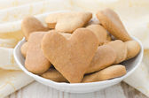 Heart shaped cookies in a bowl — Stock Photo