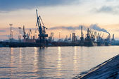 Evening view of the sea port in St. Petersburg — Stock Photo