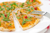 Closeup of slices of chicken pizza with tomato sauce, cheese — Stock Photo