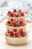 Festive appetizer - tartlets with liver paste and pomegranate — Stock Photo