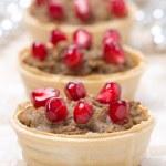 ������, ������: Festive appetizer tartlets with liver paste and pomegranate