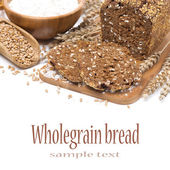 Wholegrain bread, wheat and flour, isolated — Stock Photo