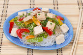 Salad with rice noodles, vegetables and tofu — Stock Photo
