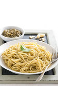 Spaghetti with pesto, vertical — Stock Photo
