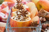 Prepared for baking stuffed apples in a glass form, close-up — Stock Photo