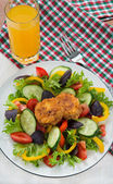 Mixed vegetable salad with cheese toasts — Stock Photo