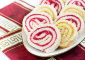 Strawberry and lemon jam swiss roll, closeup — Stock Photo