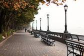 New York seafront on foggy day — ストック写真