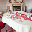 Table setting in red decorated for Valentin — 图库照片