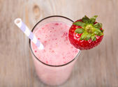 Strawberry healthy smoothie — 图库照片