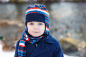 Adorable toddler boy on beautiful winter day — Stock fotografie