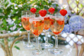 Summer cocktail with champagne, peppermint and fresh strawberrie — Stok fotoğraf