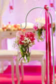 Beautiful flower arrangement in white and pink for wedding or ev — Stock Photo