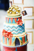 Delicious beautiful wedding cake with modern decoration. — Stock Photo