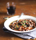 Portion of traditional irish beef and guinness beer stew — Stockfoto