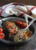 Eggplant stuffed with meat and assorted vegetables — Stock Photo