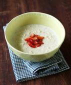 Oatmeal porridge with strawberry — Stockfoto