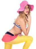 Sexy mladé čep se nošení vinobraní bikiny model — Stock fotografie