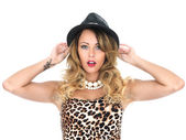 Young Woman Wearing Leopard Print Top and Hat — Stock Photo