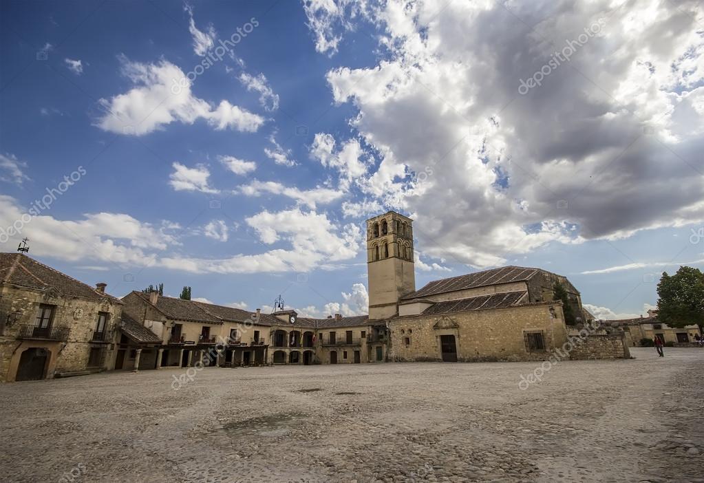 Pedraza Spain  city photos gallery : Plaza Mayor of Pedraza, Segovia, Castilla Leon, Spain — Stock Photo ...